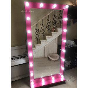 Гримерное зеркало с лампочками на подставке с колесами JenDi 180х90 см Маджента