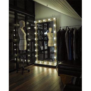 Гримерное зеркало с лампочками на подставке с колесами JenDi 180х100 см Мореный дуб